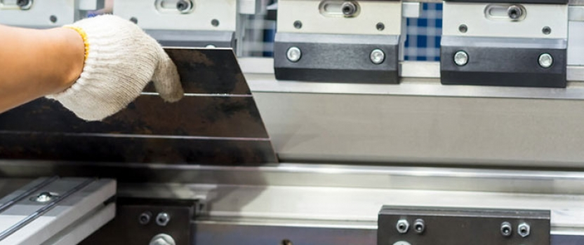 Découpe avec emporte pièce : trouvez en ligne une entreprise spécialisée dans la fabrication de machines